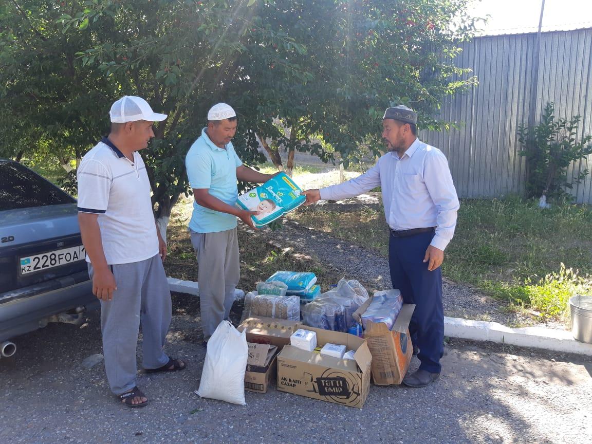 Түркістан: 11 отбасыға көмек берілді